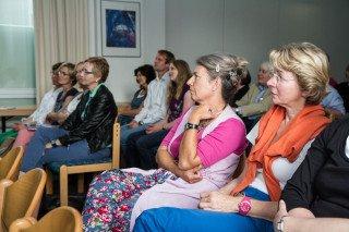 Gespannt verfolgt das Kollegium die Ausführung der beiden Qualitäts-Analysten. Foto: SMMP/Bock