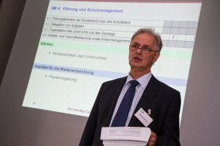 Peter Wertenbroch freut sich auch über das lebendige religiöse Leben an der Schule. Foto: SMMP/Bock