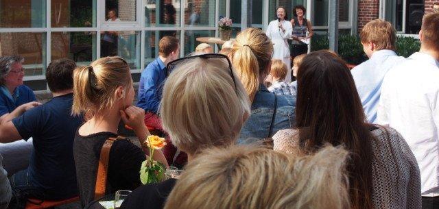 Über 120 ehemalige Abiturienten trafen sich zum 10-jährigen Jubiläum der Abiturbildungsgänge. (Foto: SMMP/Müller)