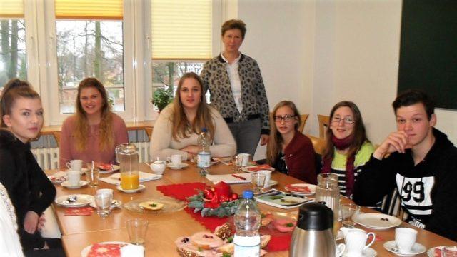Zum Thema Tagespflege gab es mit Frau Lammers vom Jugendamt der Stadt Ahaus viel zu besprechen. (Foto: SMMP/Passerschröer)