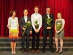 Für ihre besonderen Leistungen ausgezeichnet: Sebastian Martschei, Jakob Terbrack, Stefan Sieverding, Lilly Bott, links Abteilungsleiterin Dorothe Küster. (Foto: SMMP/Müller)