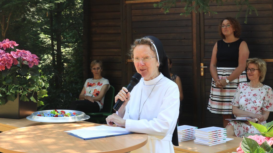 Schulleiterin Schwester Maria Manuela