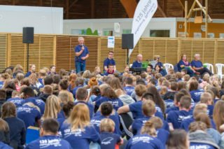 Die Fahrt des Engelsburg-Gymnasiums in die Normandie (Foto vom Abschlussgottesdienst) wurde ebenso wie die Fahrt des Walburgisgymnasiums nach Rom zu einem großartigen Gemeinschaftserlebnis.